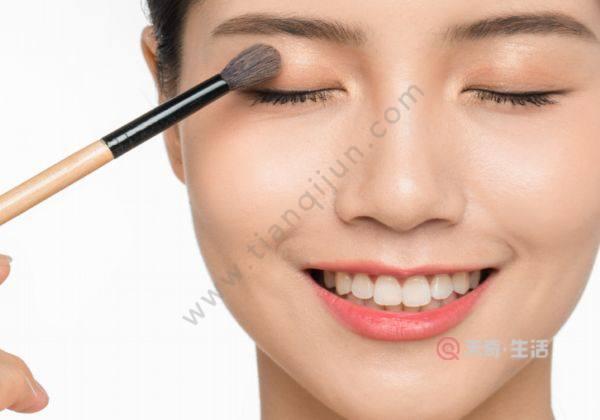 内双怎么画眼妆
