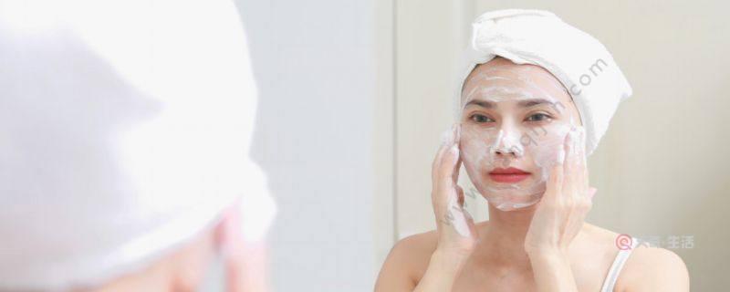 美白护肤品应该怎么用