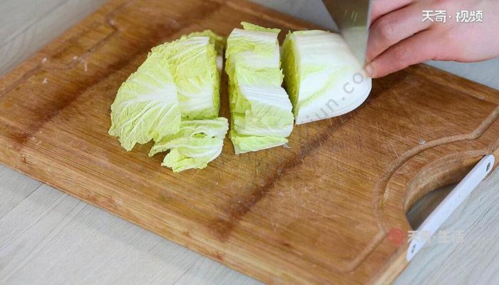 白菜炒木耳的做法 白菜炒木耳怎么做