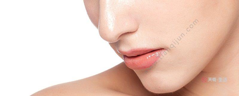 唇部掉痂了还用修复剂吗